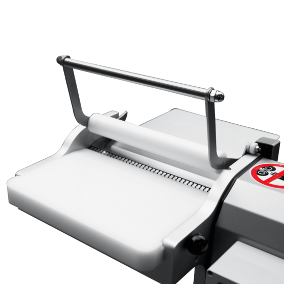 Top roller for open top skinning machine - infeed safety - Manual tabletop skinning machine