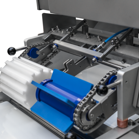 Automatic short poultry skinner ST600K10 - spray system